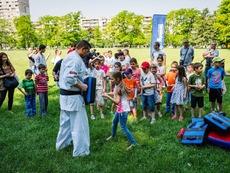 Каратисти и ученици отпразнуваха Деня на детето с тренировка по карате