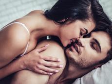 Най-добрата причина да правите секс преди лягане тази вечер