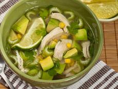 Супа с пилешко и авокадо
