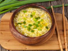 Пилешка супа с яйца и подправки