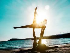 Най-добрите причини да започнете йога за двойки