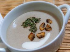 Гъбена крем супа с масло и сметана