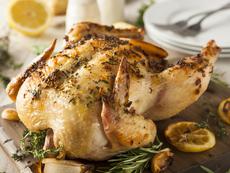 Печено пиле с мащерка и масло