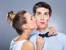 Разпалващи страстта техники за целуване