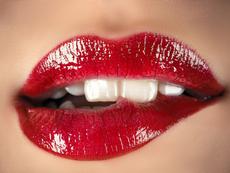 3 лесни трика срещу червило по зъбите