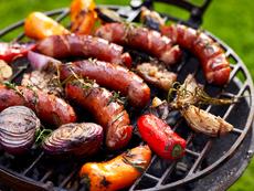 11 рецепти с наденица и колбаси