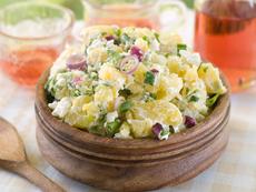 Топла картофена салата с пармезан и горчица