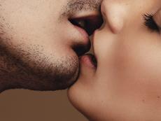 Какво означава за мъжете целувката на първа среща