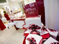 Какво да подарите за Коледа на свекървата?