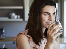 Признаци, че пиете твърде много вода