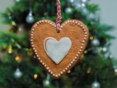 Подари любов за Коледа