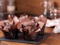 Шоколадови кексчета с глазура от сладко и коняк