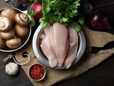Пилешко с гъби и аромат на чесън