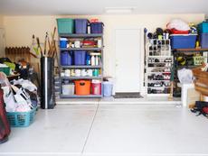 Никога не дръжте тези неща в гаража!