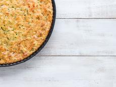 Киш без тесто с тиквички, праз и спанак