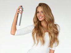 Защо не трябва да използвате лак за коса върху кожата?