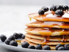 Мед или кленов сироп – кой здравословен подсладител да изберем?