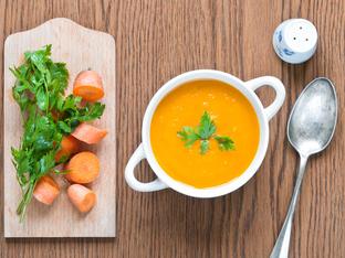 Морковена крем супа с къри