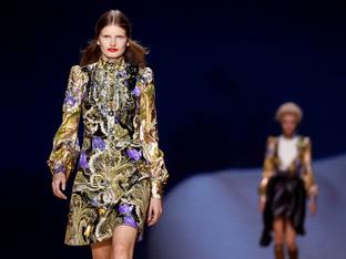 Райе и флорални мотиви за пролет/лято 2020 от  Louis Vuitton