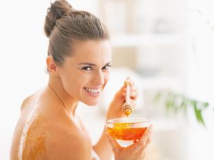 Как да ползвате меда за кожа с акне
