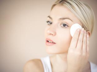Как да се справите с кожна реакция от козметични продукти?