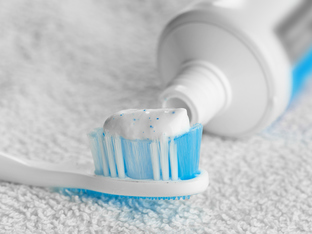 10 нестандартни употреби на пастата за зъби