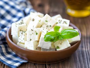 Признаци, че ядете твърде много сирене и кашкавал