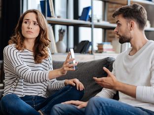 10 признака, че гаджето ви е патологичен лъжец