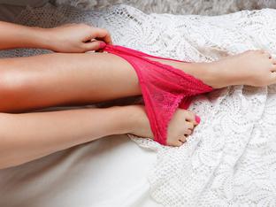 Защо не трябва да спите с бельо след секс?