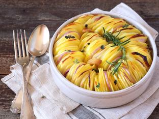 """Картофи """"Слънце"""" с лук и розмарин"""