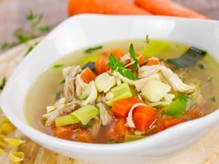 Пилешка супа с много зеленчуци