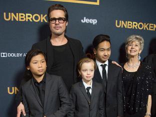 Брад Пит празнува Деня на бащата с децата си в Лондон