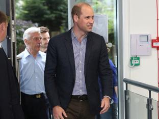 Принц Уилям развълнува почитатели на Даяна, които отбелязаха рождения й ден