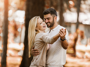 20 начина да покажете на мъж, че го обичате