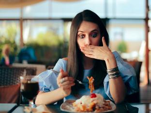 6 причини за поява на хълцане, които нямат общо с храната