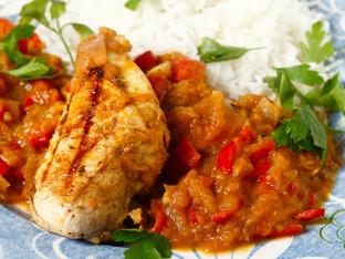 Пилешки гърди с вкусен сос