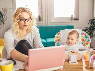 3 признака, че споделяте твърде много за децата си във Фейсбук