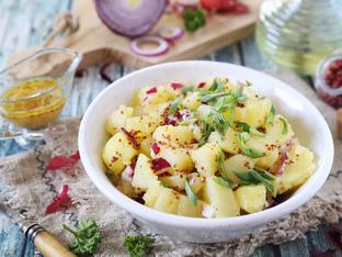 Гръцка картофена веган салата