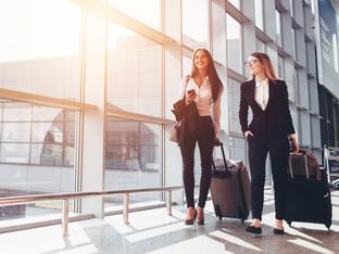 Какво не трябва да носите по време на полет?