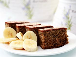 Кекс с банани, орехи и стафиди