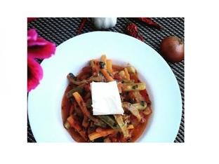 Селска манджа със зеленчуци и сирене