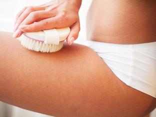 Ползи за кожата и здравето от сухото четкане
