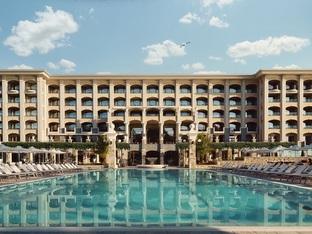 Лятна почивка, спа преживяване и среща с морето в Astor Garden Hotel