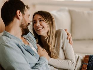 Как да разберете дали мъжът наистина е влюбен във вас