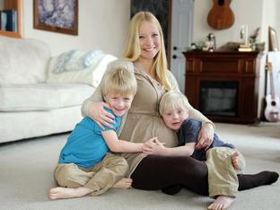 Какво никога да не казвате на жена, бременна с трето дете