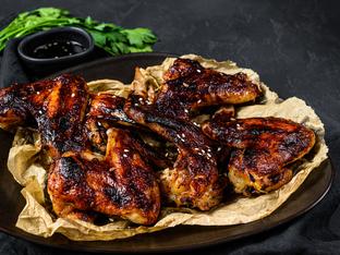 Пилешки крилца с подправки и мед