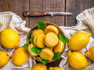 Лимонови макарони с бадемово брашно