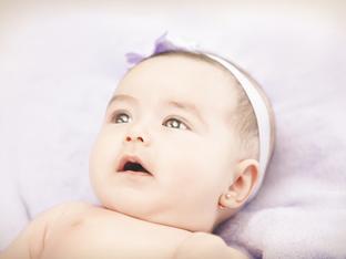 Защо пробиването на ушите на бебето може да е лоша идея