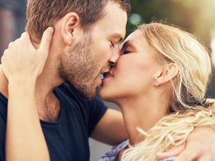 3 грешки, които провалят съвършените целувки
