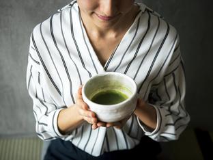 Как зеленият чай укрепва венците и зъбите?